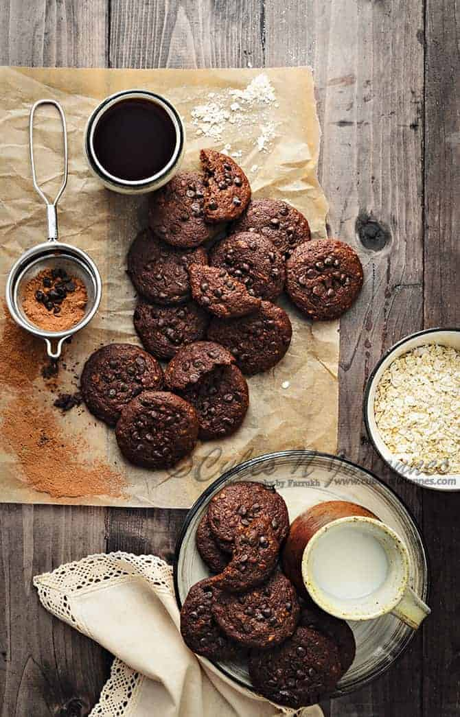 Chocolate-Choco-Chip-Oats-Cookies-670
