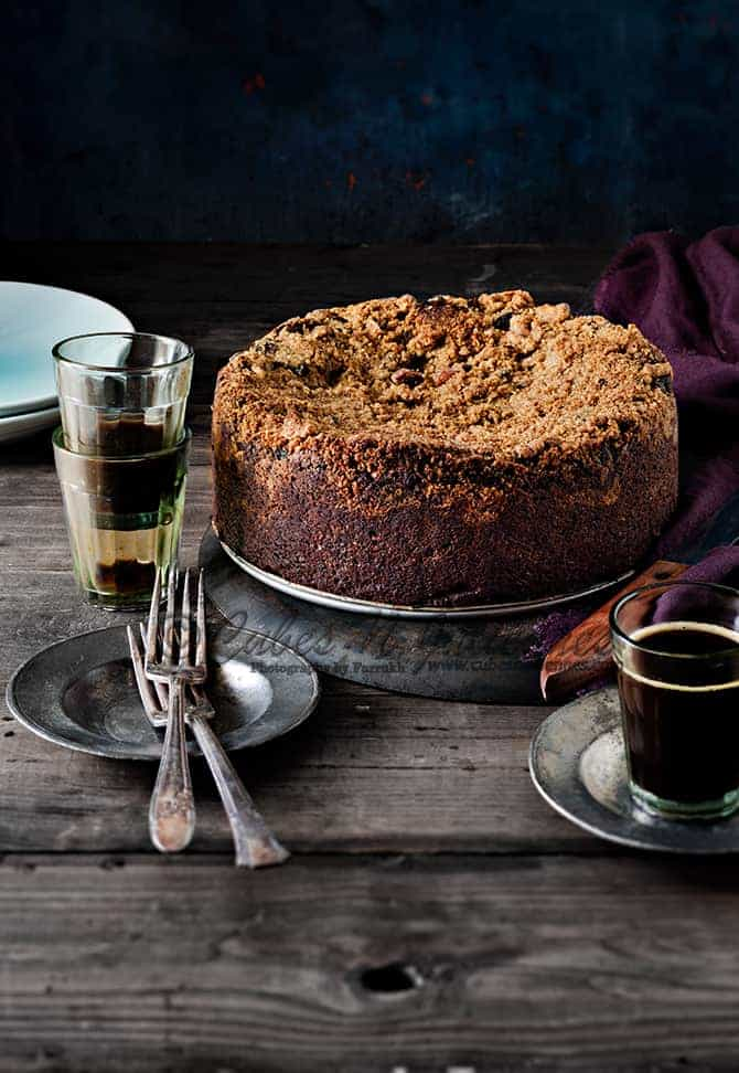 Whole wheat chocolate streusel cake