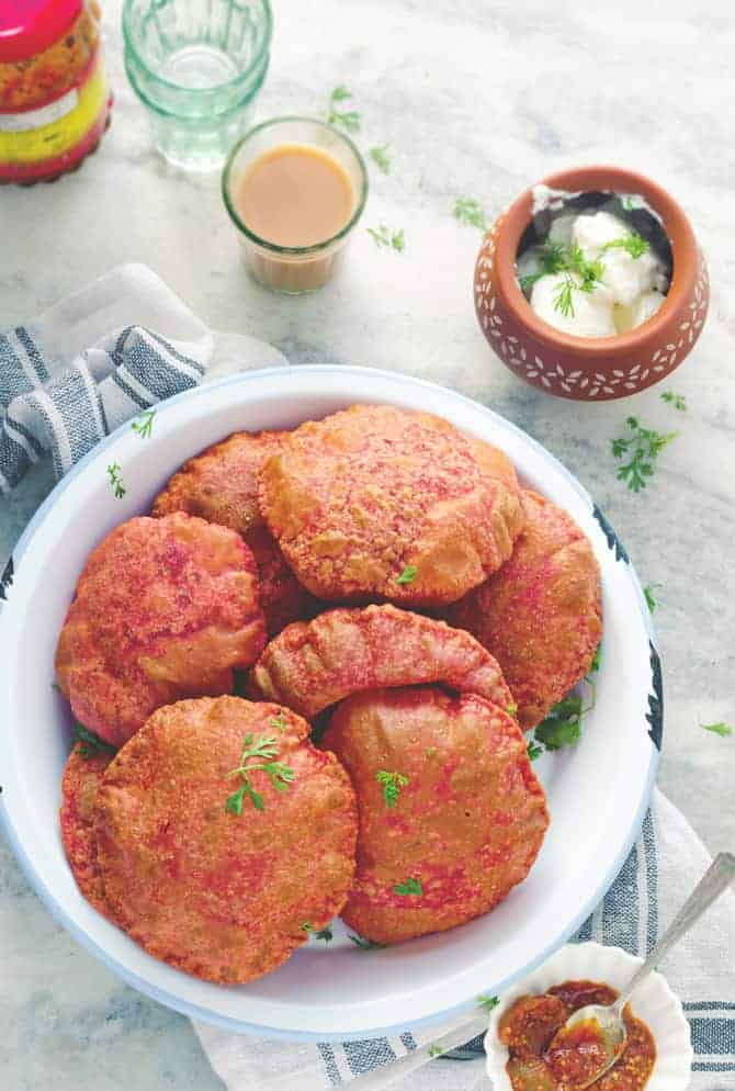 Beetroot Pooris