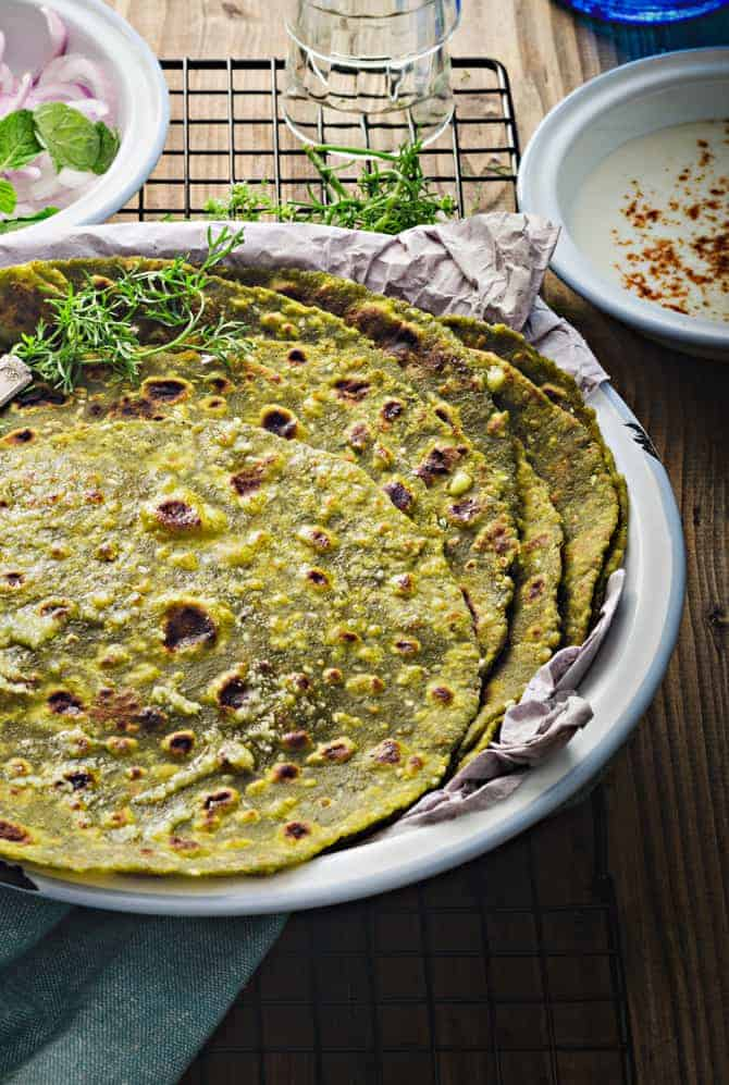 How to make palak tofu paratha at home