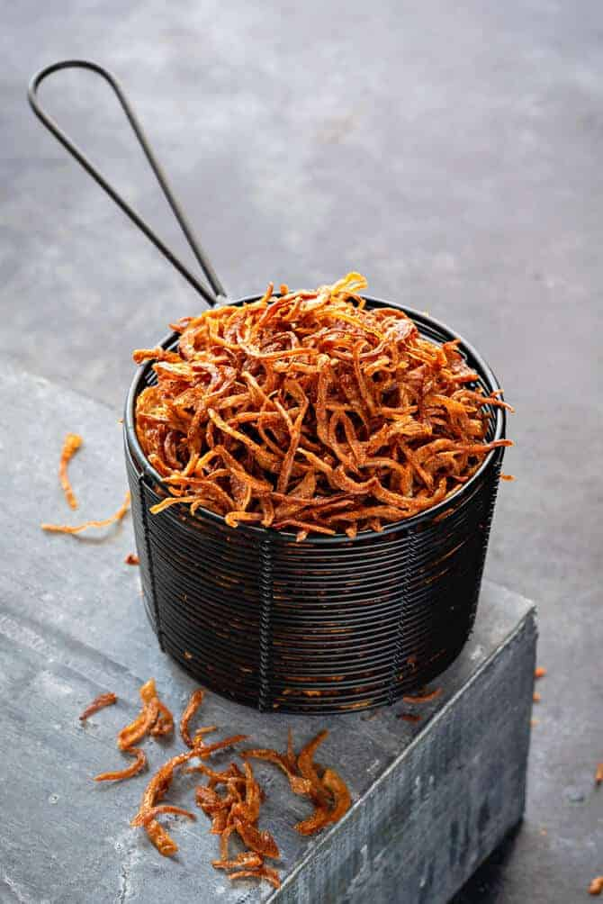 Golden fried onions. How to make crisp fried onions. make perfect Birista.