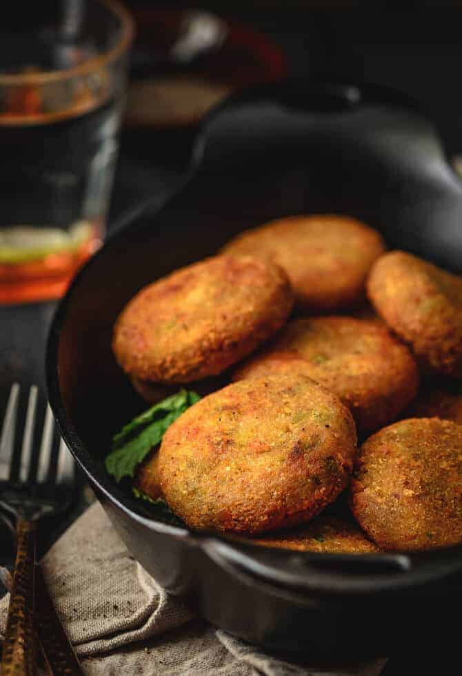 Easy veg cutlet recipe. Vegetable cutlet recipe. Vegetarian snacks recipes. Veg patty recipe. Mix veg cutlet, cutlets