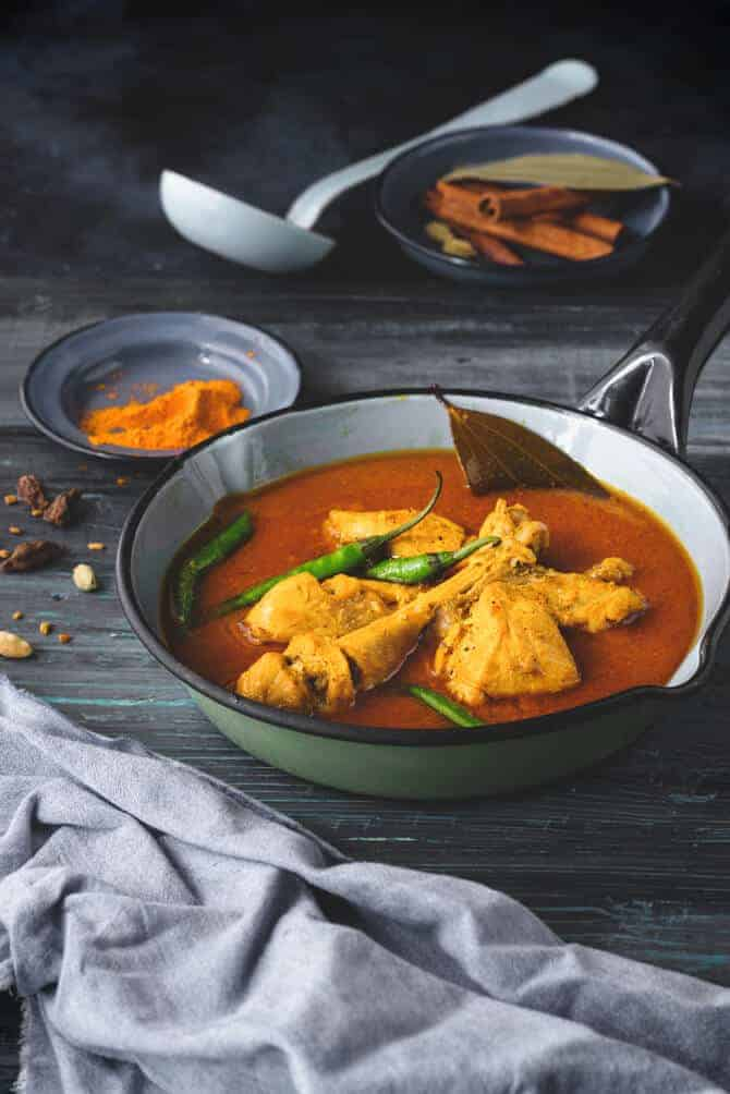 desi chicken curry recipe. country chicken curry recipe. desi chicken recipes