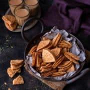 Masala Nimki Recipe (tikona Nimki), Parthi Mathri, Masala Mathri