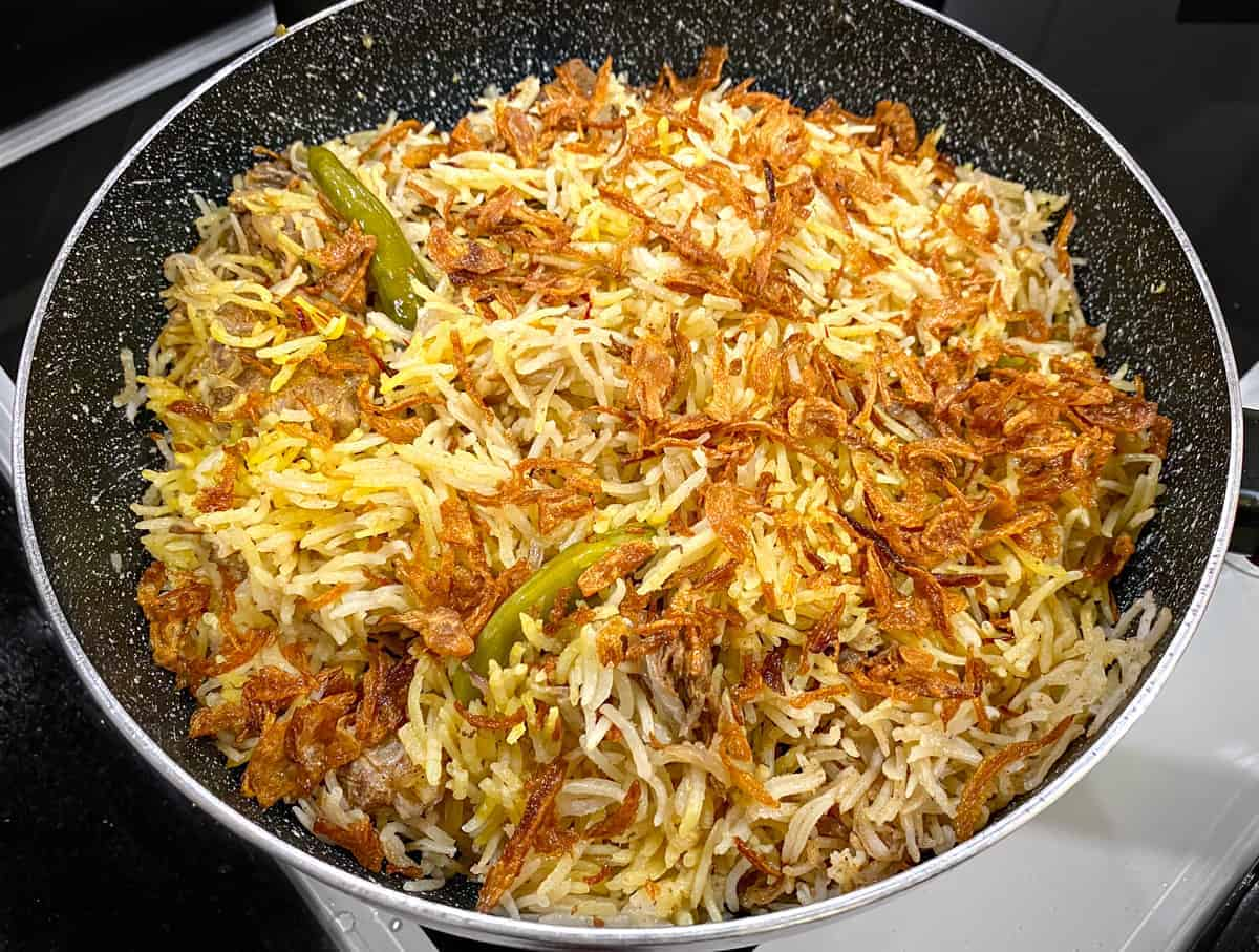 Cooked Mutton Yakhni Pulao In pot.