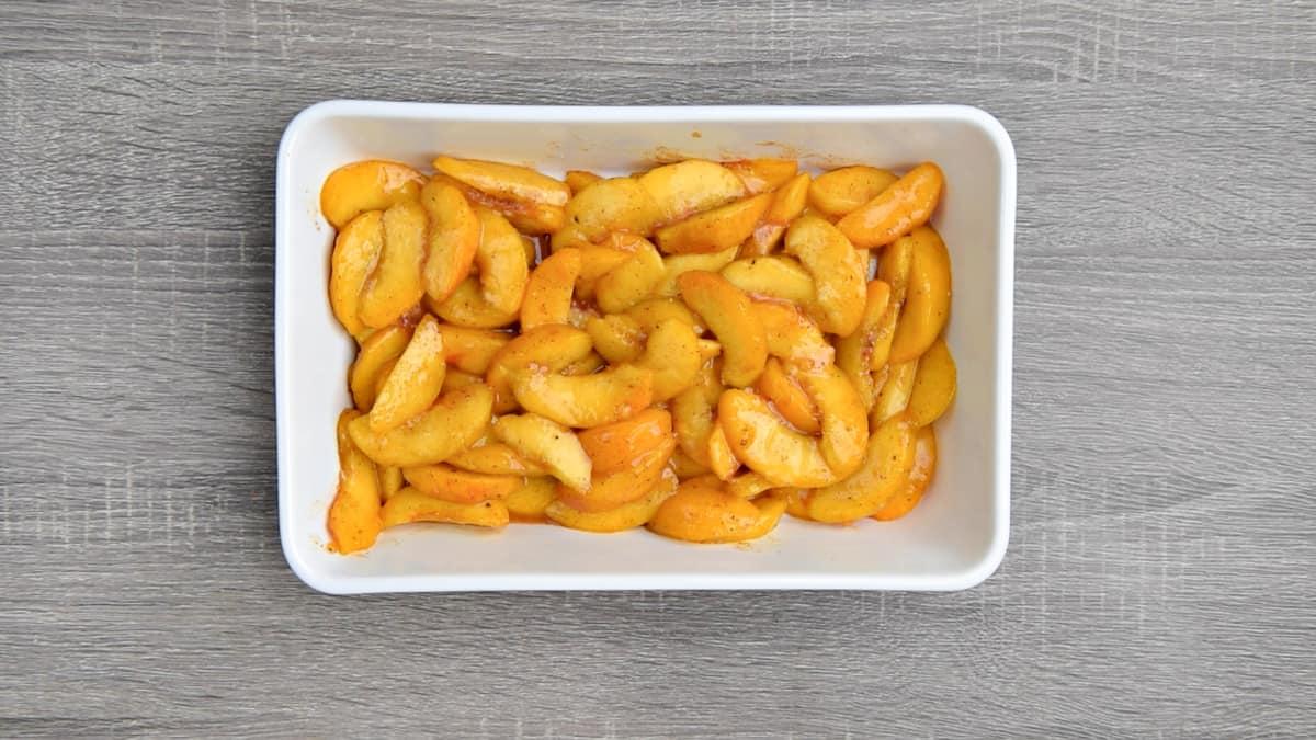 peach filling in base of casserole dish